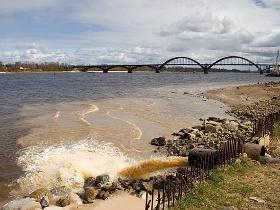 Волга — крупнейшая река Европы, одна из самых длинных рек в мире, а теперь и самая грязная река России