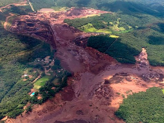 Vale предупредила о риске прорыва еще одной дамбы в Бразилии
