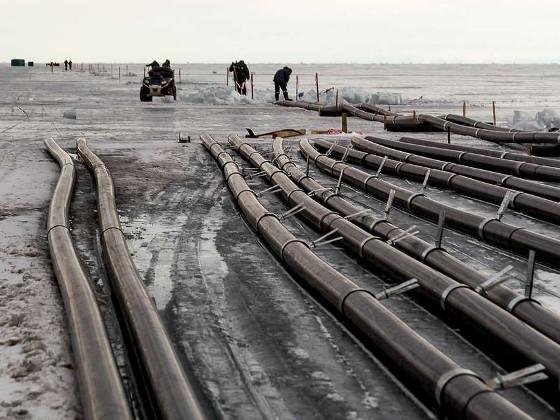 Медведев поручил Минприроды проверить проект завода по розливу воды на Байкале