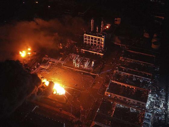 Число жертв взрыва на химзаводе в Китае возросло до 64