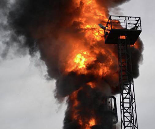 Пожар произошел на нефтеперерабатывающем заводе в Самарской области