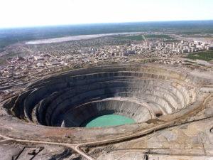 «АЛРОСА» возобновит добычу на «Мире» не ранее 2031 года