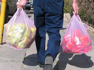 Запрет на одноразовые пластиковые пакеты вступил в силу в Новой Зеландии