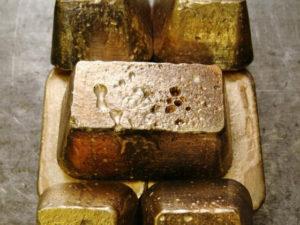 Золото на 7 млн изъяли сотрудники ФСБ у жителя Магадана