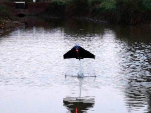 Британские инженеры разработали робота, парящего над водой как летучая рыба