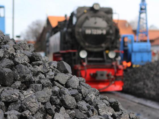 Польские шахтеры заблокировали пути на юге страны, протестуя против поставок угля из РФ