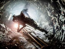 На Перевальном месторождении серебряных руд идет подготовка к подземной добыче