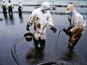 Кабмин РФ установил новые правила предупреждения и ликвидации разливов нефти