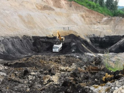 Мунайский угольный разрез в Солтонском районе заработал в полную силу