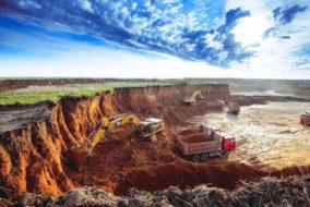 Минфин изучает возможность наполнения бюджета за счет горняков и металлургов